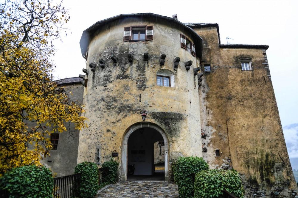 Einganz zu Schloss Schenna