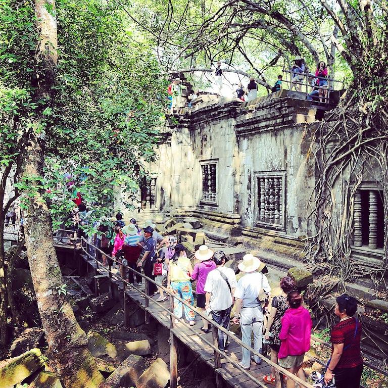 Auch im 60km entfernten Bang Mealea - asiatische Touristenmassen