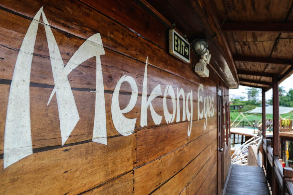 Mekong Eyes - ein umgebauter Reisfrachter