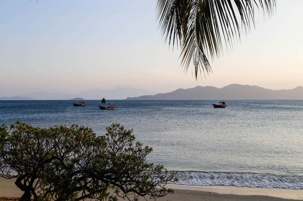 Der Abend senkt sich über das Six Senses Ninh Van Bay